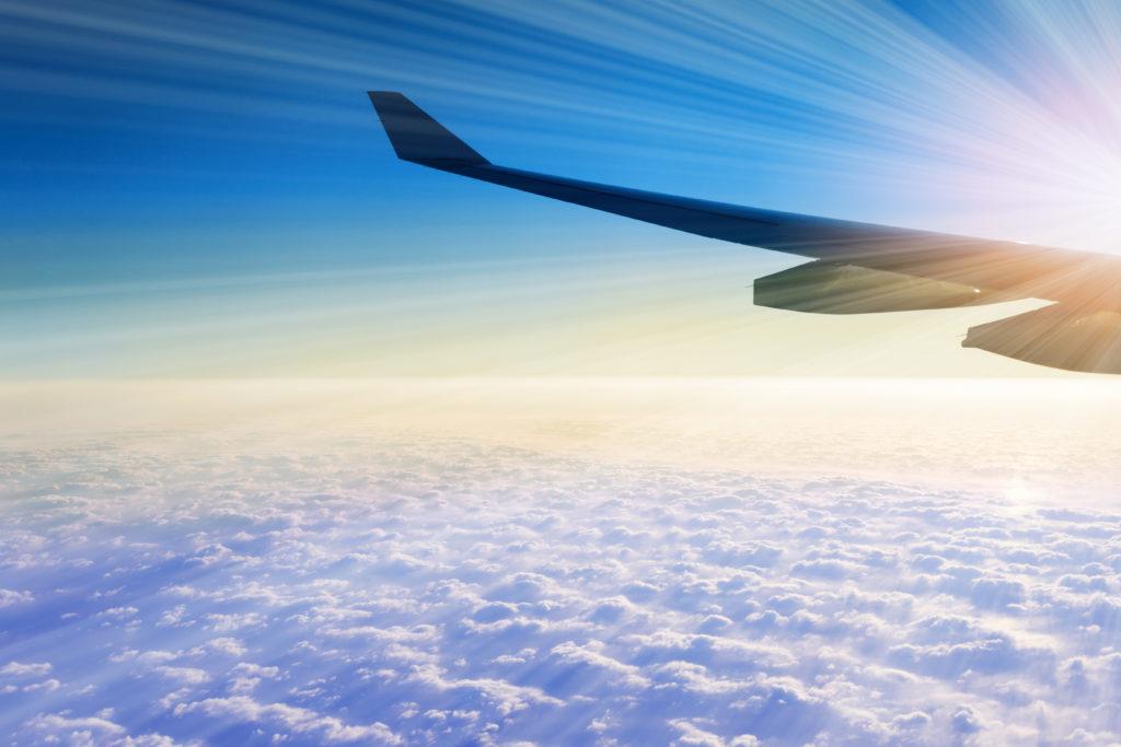 beneficios de volar en avión